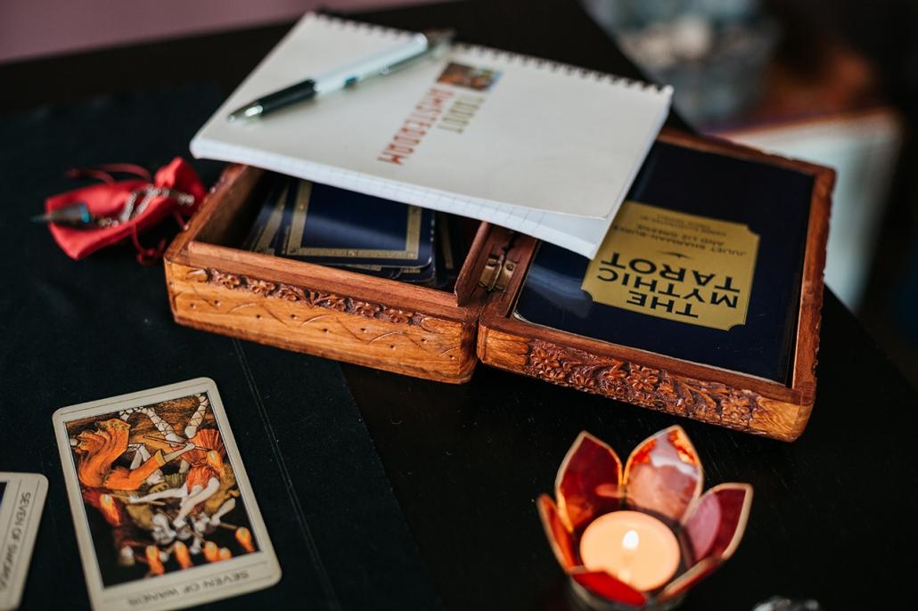 Who Are The Creators of Mythic Tarot - Tarot Amsterdam